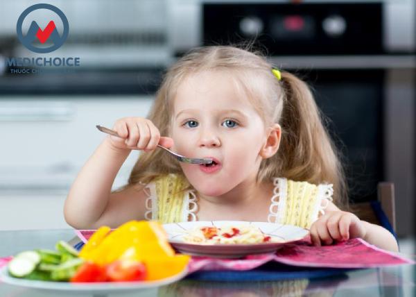 Khi trẻ bị cảm cúm nên ăn gì? Các mẹ chớ bỏ qua